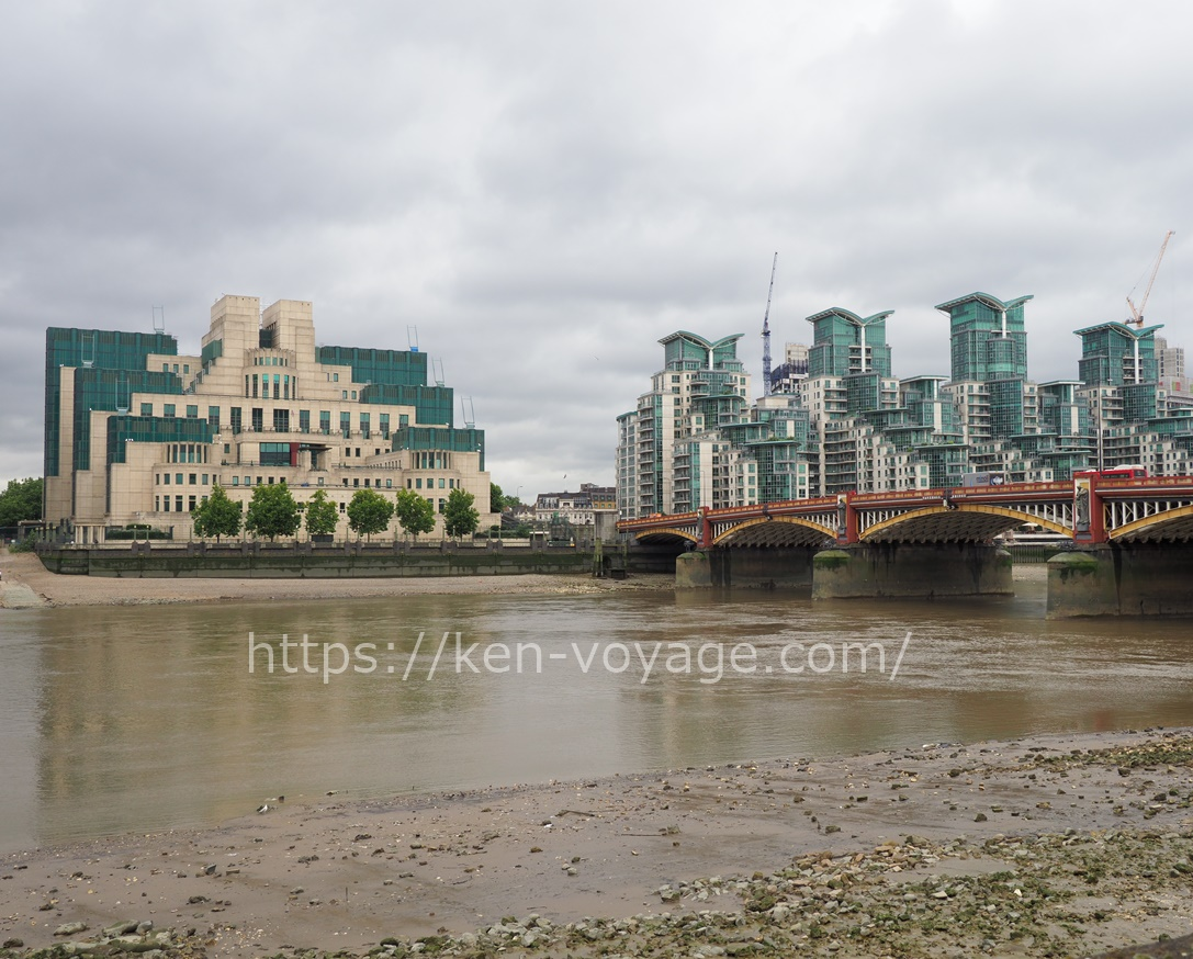 MI6 & Vauxhall Bridge