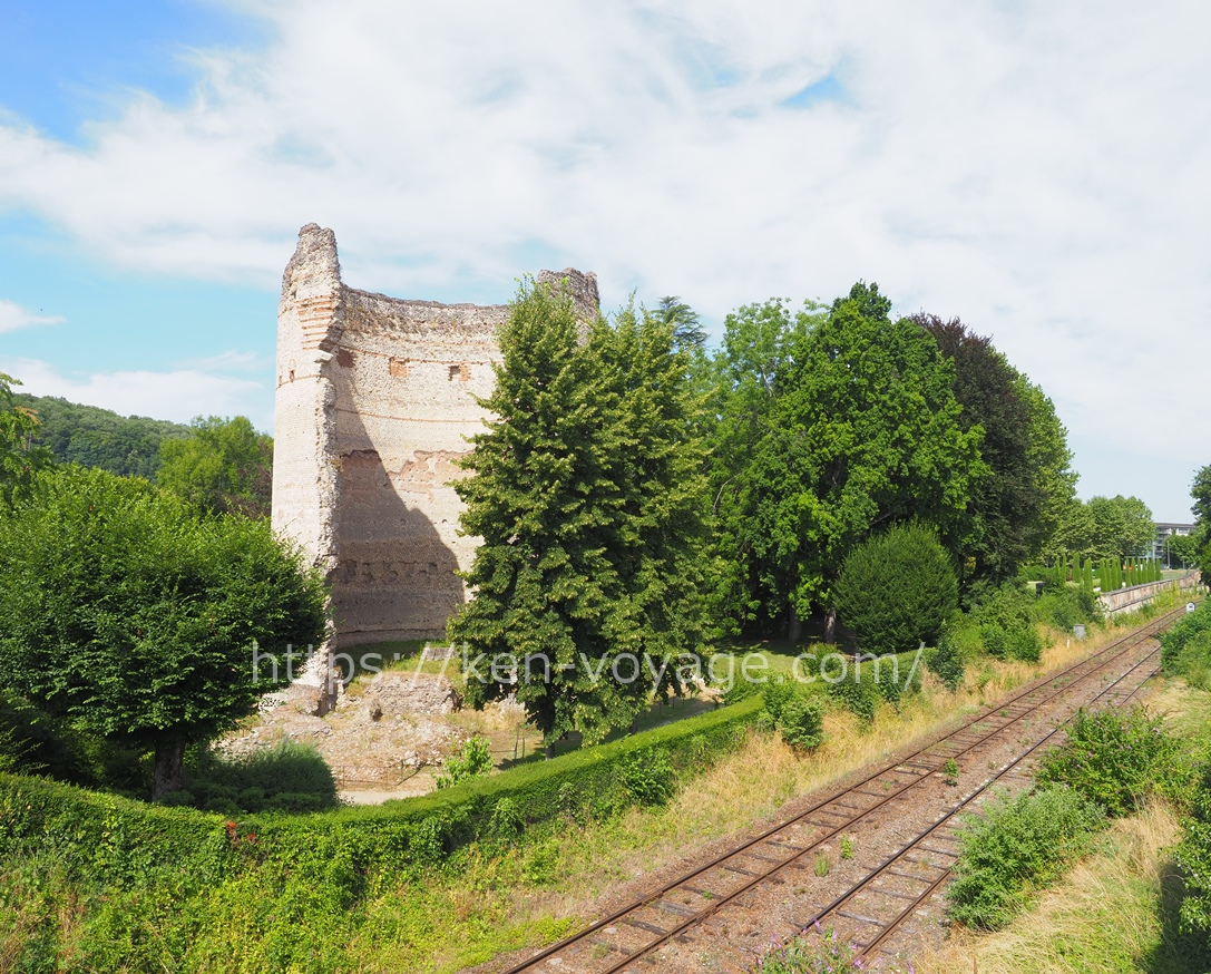 Rome ruins & railway